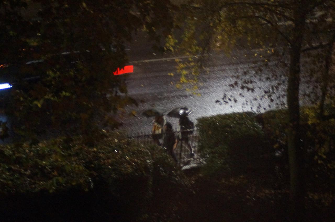 islington night photography rain, people, umbrellas